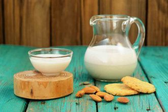 Almond Milk - Alternative to Cow's Milk